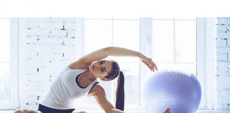 A sportswoman doing pilates