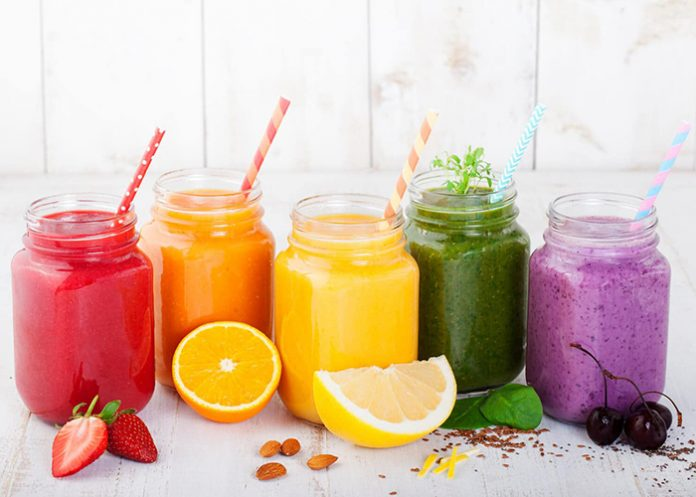Fresh fruits and vegetables juices