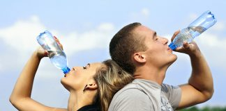 drinking water to stay healthy